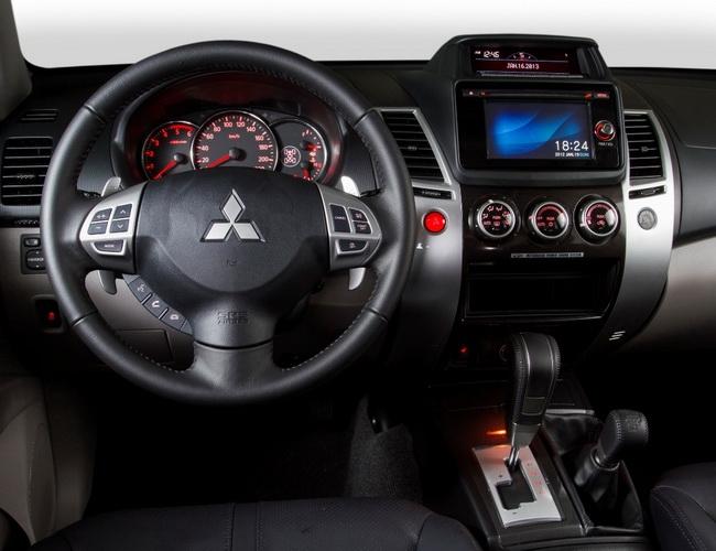 Mitsubishi pajero sport 2014 фото